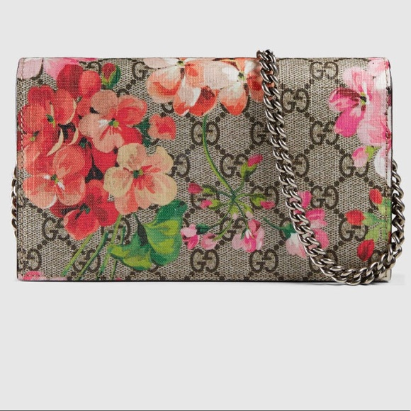 e340b3e5 🔴 SOLD Gucci Bloom Wallet on a chain
